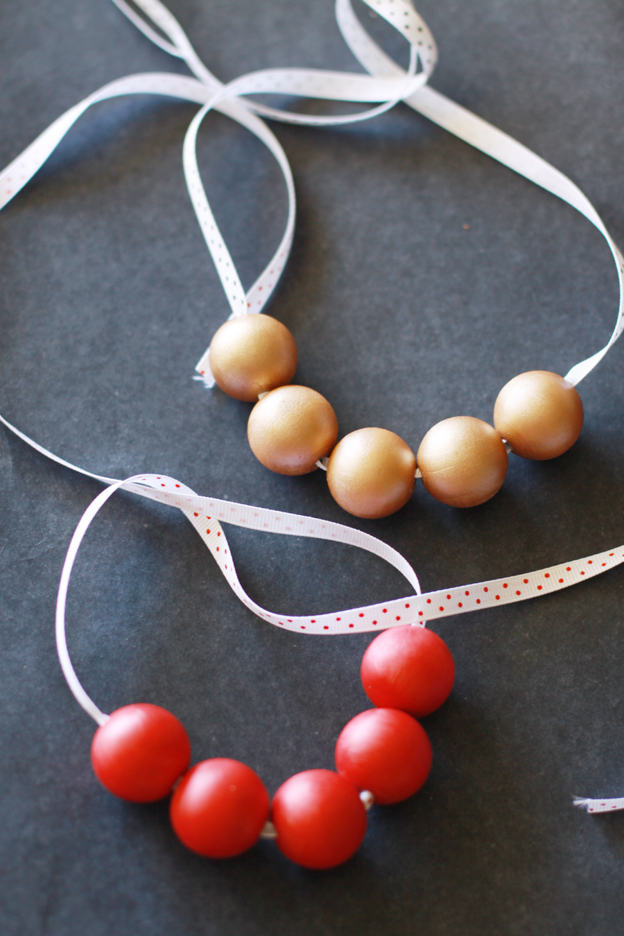 DIY Wood Bead Necklace (3)