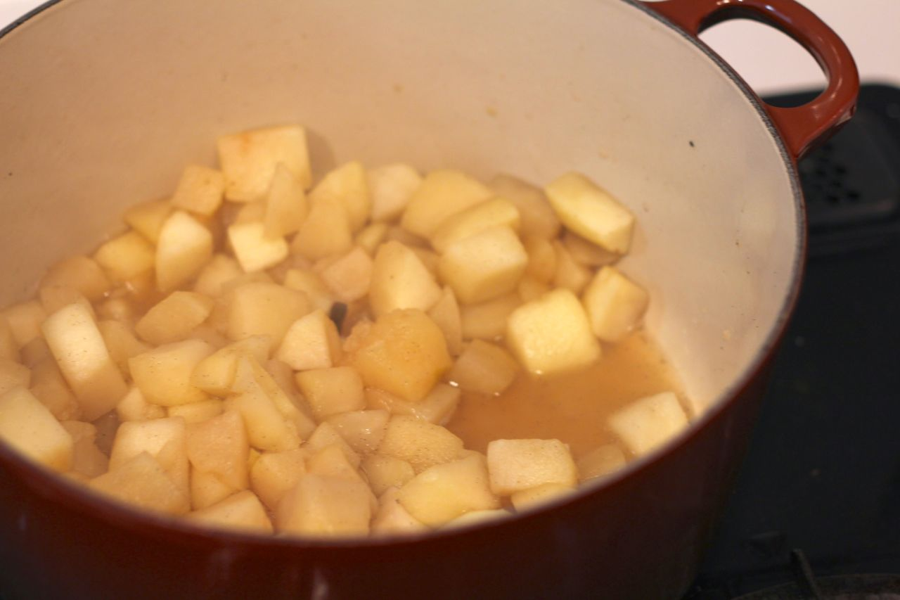 applesauce cooking