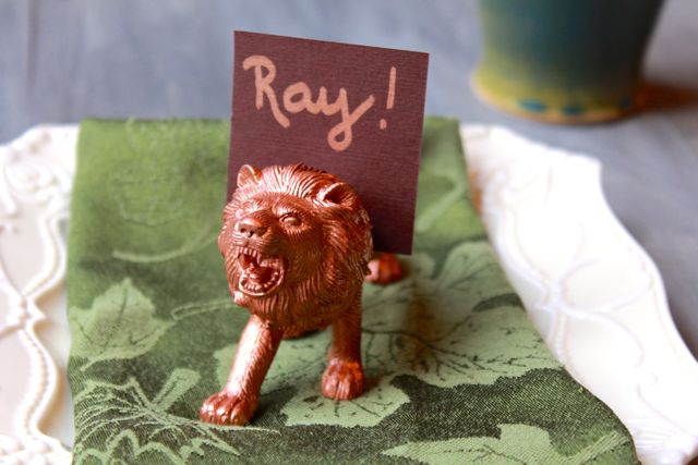 lion place setting for kids from www.alyssaandcarla.com