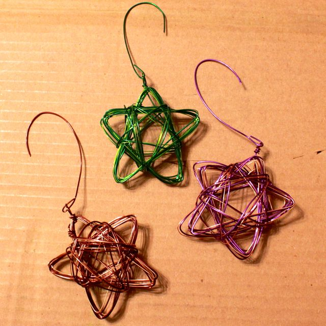 finished star wire ornaments from www.alyssaandcarla.com