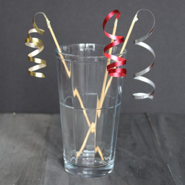 ribbon swizzle sticks from www.alyssaandcarla.com