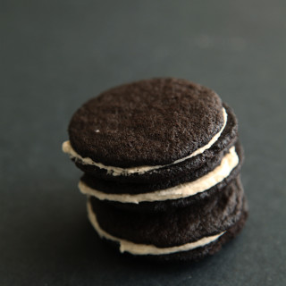 Homemade Dark Chocolate Oreos from alyssaandcarla.com