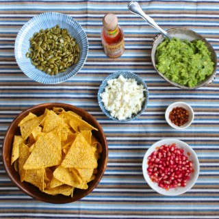 guacamole bar from www.alyssaandcarla.com