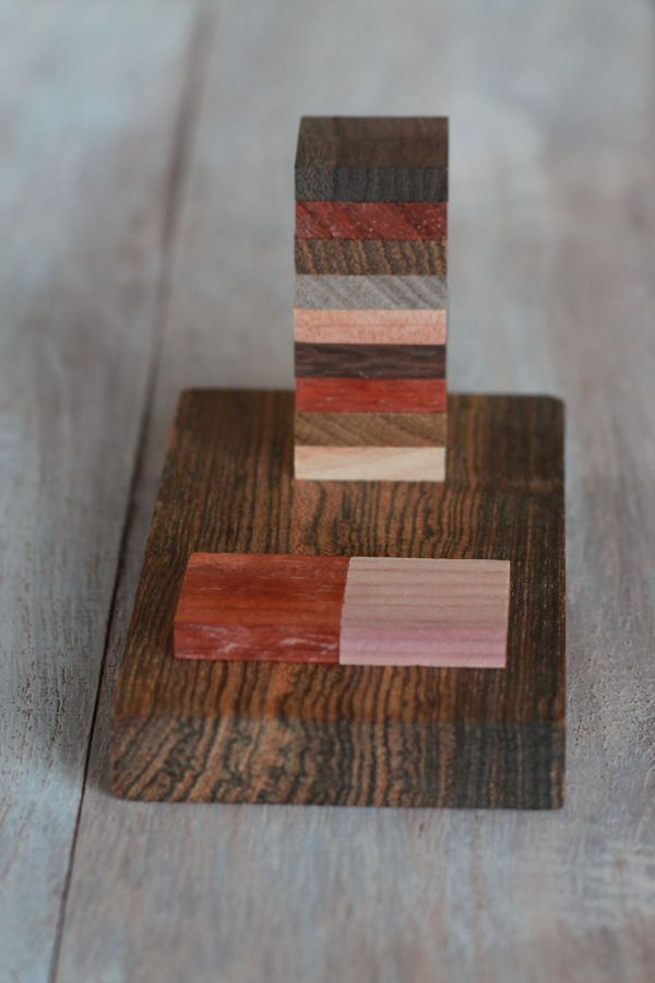 make your own wood cell phone stand from www.alyssaandcarla.com