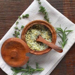 herb and lemon salt from www.alyssaandcarla.com