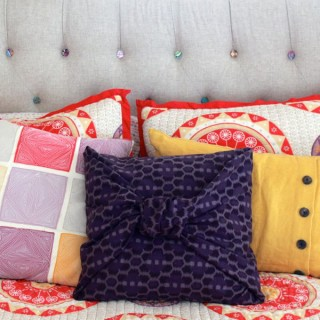 no sew pillowcase at www.alyssaandcarla.com