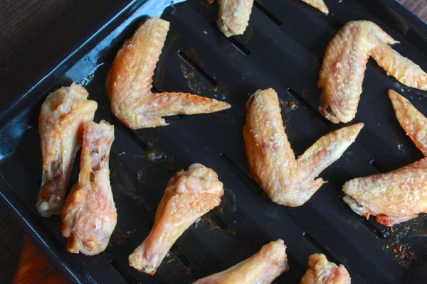 crispy skinned baked chicken wings from www.alyssaandcarla.com