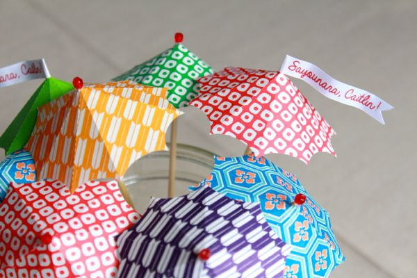 diy cocktail umbrellas at www.alyssaandcarla.com