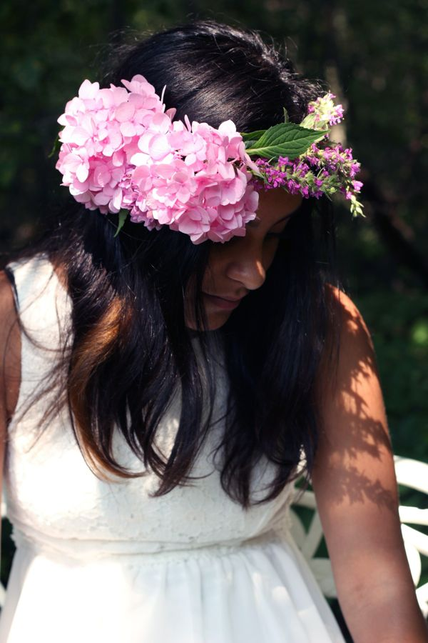 floral crown from www.alyssaandcarla.com