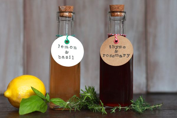 infused vinegars from www.alyssaandcarla.com