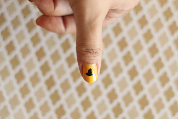Wicked Witch Manicure from www.alyssaandcarla.com