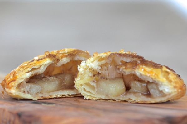spiced pear hand pies from www.alyssaandcarla.com 7