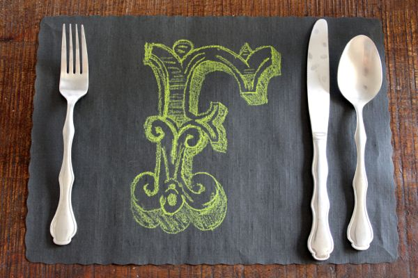 F placemat from alyssaandcarla.com