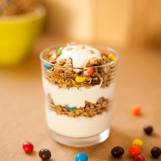 crispy-cinnamon-granola-yogurt-parfaits-8