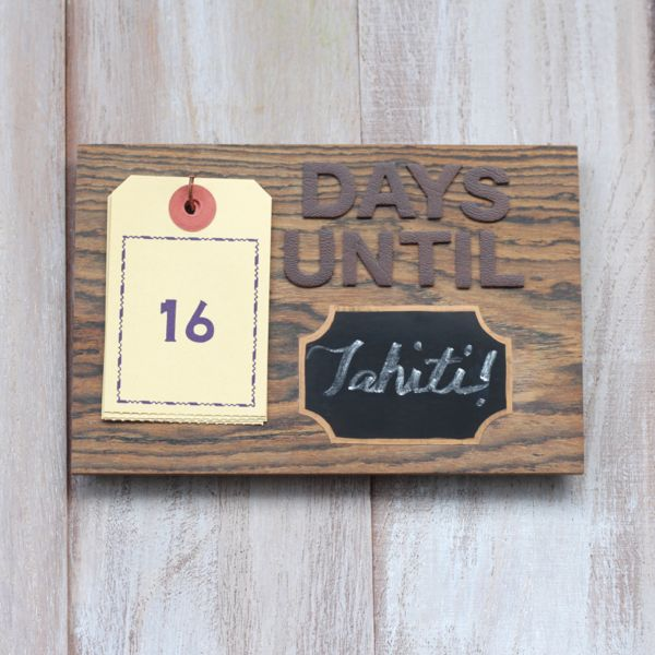 diy magnetic chalkboard countdown square at www.alyssaandcarla.com