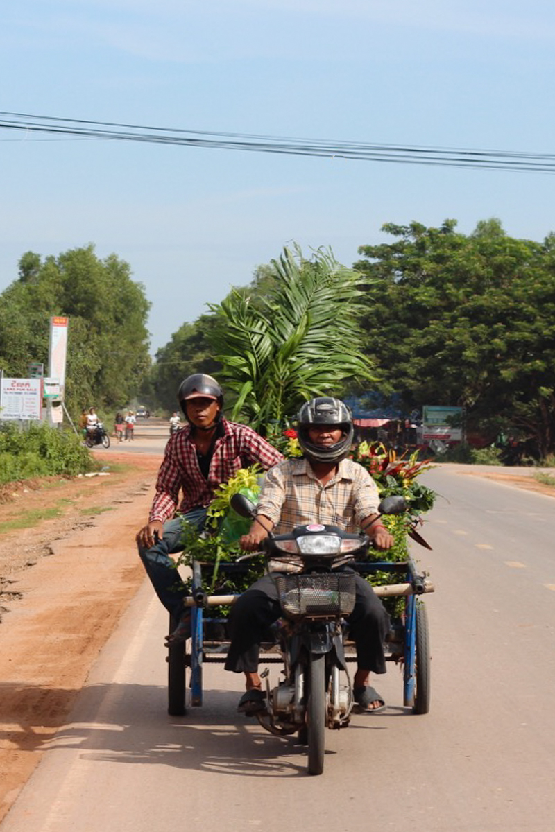 10 (+3 bonus) tips to prepare for travel to Southeast Asia - The view from the back of a tuktuk in Cambodia