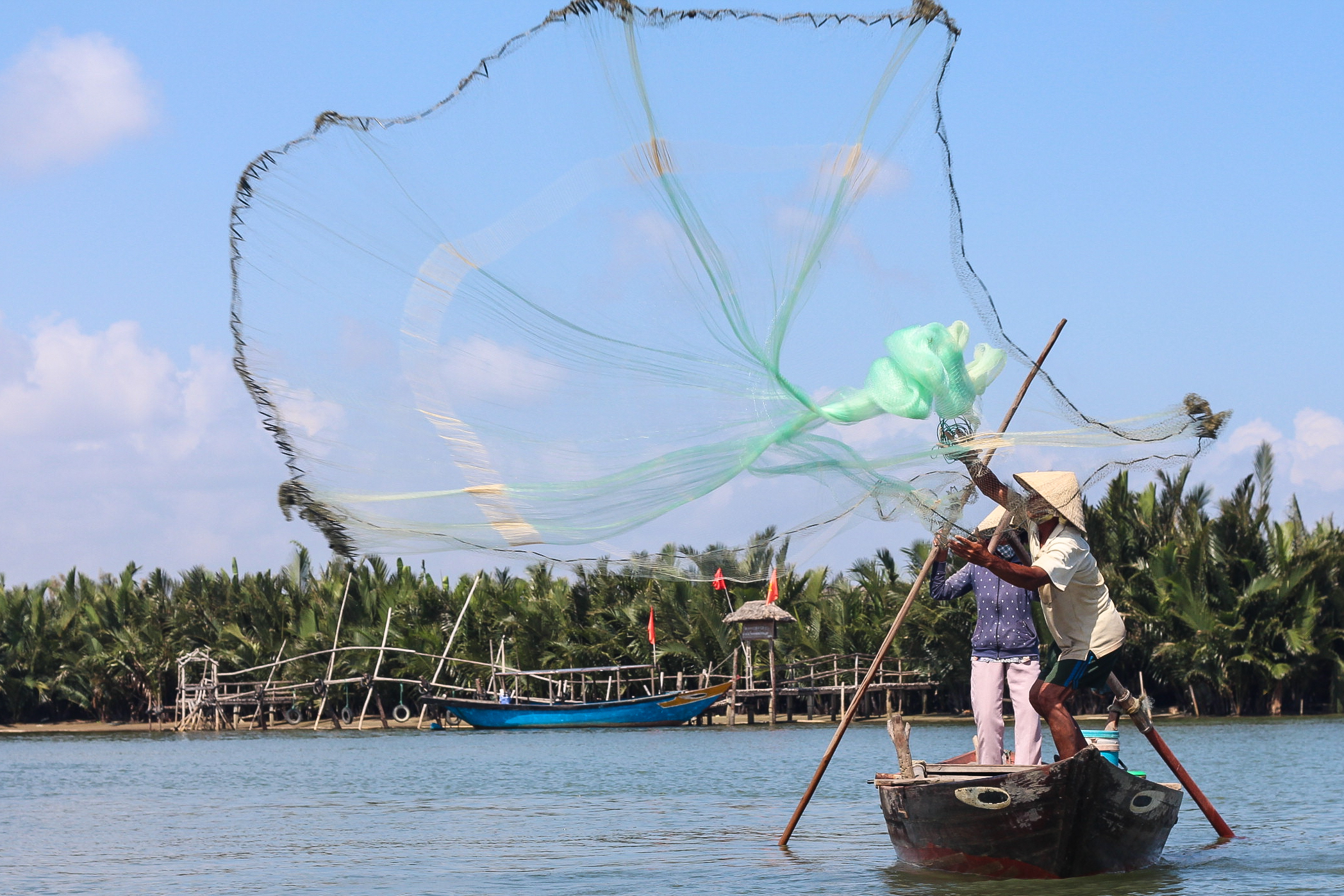 Hoi An Eco Coconut Tour - Fishing demonstration | Alyssa & Carla