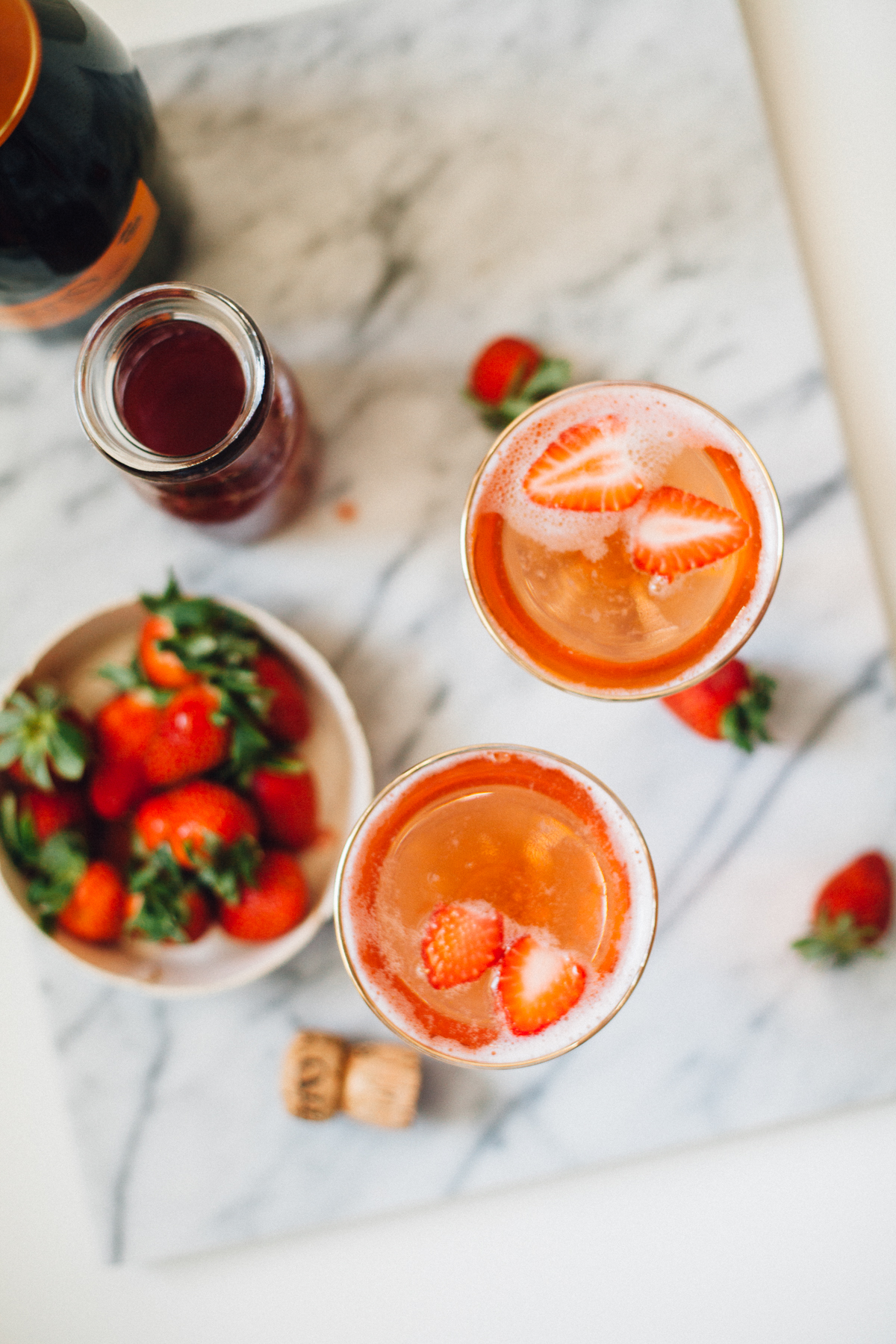 Fresh Strawberry Jus Sparkling Cocktails | Alyssa & Carla