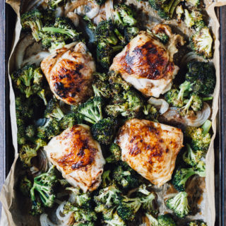 one-sheet-pan-balsamic-chicken-broccoli-1