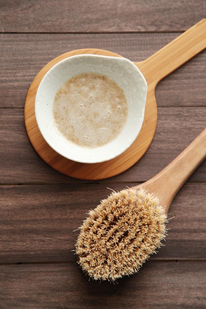 Diy Exfoliating Oatmeal Body Scrub Alyssa And Carla